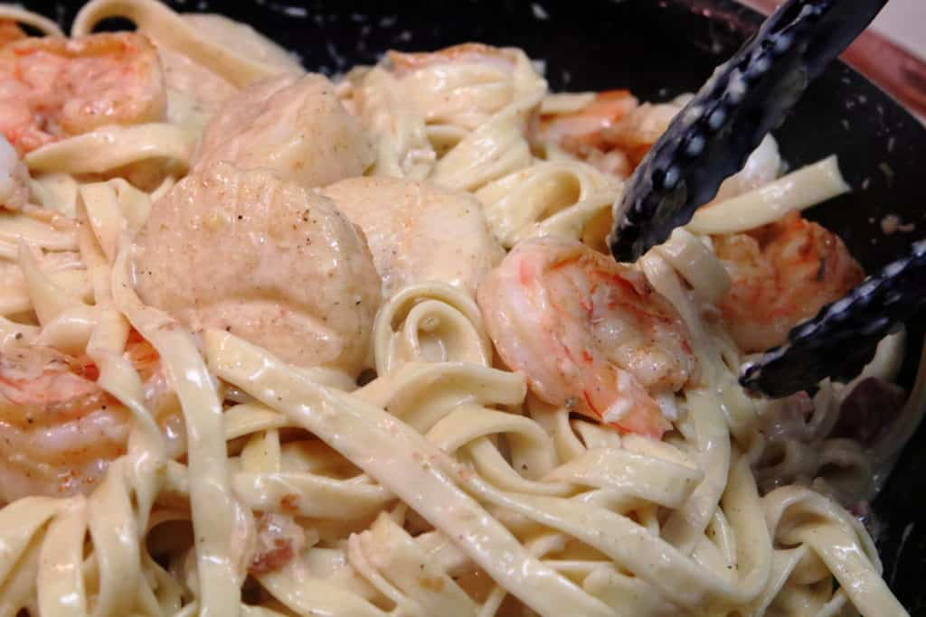 Shrimp and Scallop Pasta