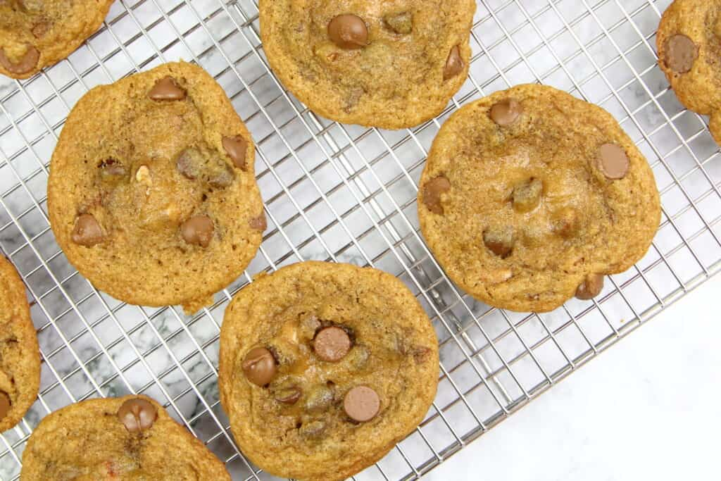 toffee cookies on a cooling rack