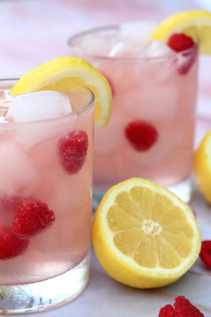 red raspberry lemonade cocktail